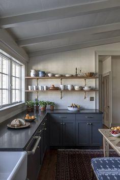 Open shelf kitchen ideas. Design by Caitlin Moran Interiors