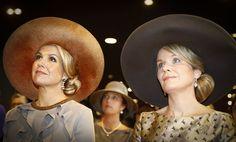 AMSTERDAM - Koningin Máxima heeft maandagmiddag samen met koningin Mathilde een kort bezoek gebracht aan een symposium over betere samenwerking tussen Belgische en Nederlandse steden. De bijeenkomst werd georganiseerd in het kader van het Belgische staatsbezoek aan Nederland. (Lees verder…)
