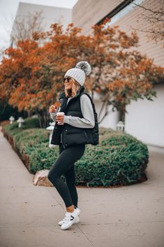Mix-and-Match Cold Weather Wardrobe Must-Haves (Cella Jane) Winter Mode Outfits, Cute Fall Outfits, Casual Winter Outfits, Winter Fashion Outfits, Look Fashion, Autumn Winter Fashion, Autumn Outfits Women, Comfortable Fall Outfits, Vest Outfits For Women