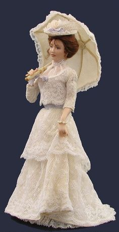 anne marie dolls [1890] I like this dress - the layers are just right.