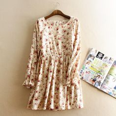 2015 spring new women 's O-neck long-sleeved small floral print dress Mori girl's pleated dress waist was thin cotton linen