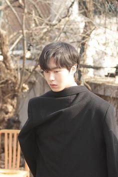 Korean Face, Korean Men, Korean Actors, Drama Korea, Korean Drama, Seo Joon, Kdrama Actors, Korean Language, Gong Yoo