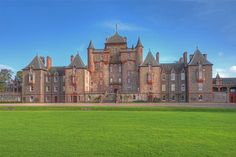 The Lauderdale Apartment at Thirlestane Castle, Lauder - Crabtree & Crabtree Scotland Castles, Scottish Castles, Unusual Buildings, Old Buildings, England Ireland, Royal Residence, Tudor House, Castle House, Beautiful Castles