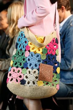 The takeaway: 10 of the most stylish trends from the shows – a photo essay Details at Loewe RTW Spring 2019 Details at Loewe RTW Spring 2019 The post Details at Loewe RTW Spring 2019 appeared first on Daily Shares. crochet bag Loewe - After one month, f Crochet Shell Stitch, Crochet Tote, Crochet Handbags, Crochet Purses, Love Crochet, Beautiful Crochet, Easy Crochet, Crochet Stitches, Knit Crochet