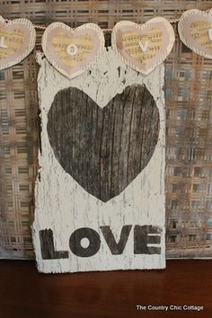 Fun Ideas for Valentines Day, 2014 Valentine's Day Signs #2014 #Valentines #day #sign www.loveitsomuch.com