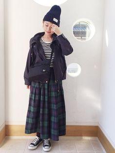 今季初のニット帽。 チェックのロングスカーチョを カジュアルに着たい気分でした♩ 見に来て下さりあり