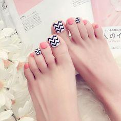 Nail Art Accessories Fashion Wave False Fake Natural Toe Nails Acrylic Toe Nail Tips Art Pretty Toe Nails, Cute Toe Nails, Pretty Toes, Feet Nail Design, Toe Nail Designs, Acrylic Toe Nails, Toe Nail Art, French Toe Nails, Goth Nails