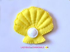 Cute miniature PEARL SHELL magnet made from colorful felt fabric. This stuffed felt Pearl Shell is originally designed as a great home decor or adorable gift for your loved ones, educational for kids, fun for all ages. The Pearl Shell can be made as a magnet, double sided toy or