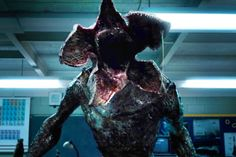 See how 'Stranger Things' built its real-life demogorgon in behind-the-scenes video, photos Demogorgon Stranger Things, Stranger Things Upside Down, Stranger Things Halloween, Baskin Robbins, Wattpad, Animal Masks, Vintage Halloween, Dungeons And Dragons, Foto E Video