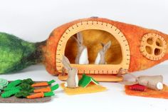 Carrot House and Rabbits - Felt Play Set with Vegetables Garden and Books - Wool and Wood, Waldorf Children's Toy and Easter Decor