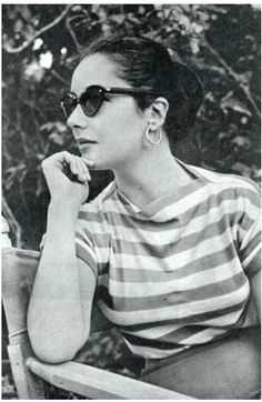 Elizabeth Taylor in shades