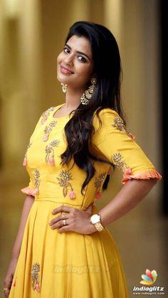 Pleats for flare Long Dress Design, Dress Neck Designs, Blouse Designs, Indian Designer Outfits, Designer Dresses, Mode Bollywood, Frock Models, Frocks And Gowns, Ikkat Dresses