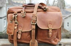 Lovely leather messenger bag by Mulholland Brothers USA. Leather Bags 6934fb09cce7f