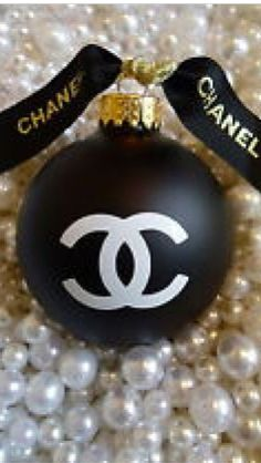 ~Christmas in Paris - Chanel Ornament | The House of Beccaria#