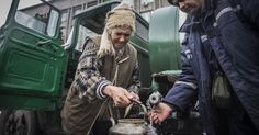 Grim scenes as civilians flee eastern Ukraine - MASHABLE #Ukraine, #Turmoil