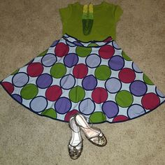Flirty Spring Bundle Skirt (Willie Wear) size 12** Cotton T-shirt (Banana Republic) size large ***multi- colored, (green)beeded necklace***shoes (Nine West) size 8 1/2. Purchase the bundle for the listed price or best offer or purchase each piece separately. Make me an offer i can't refuse. Skirts Circle & Skater