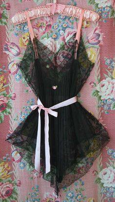 Vintage 1920s Fine Black Silk and LACE
