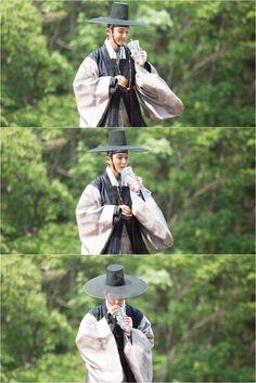 Scholar who walks the night - Lee joon go