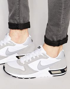 Image 1 of Nike Nightgazer Trainers 644402-100