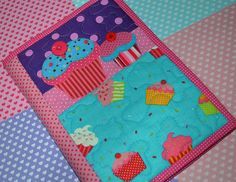 Capa de caderno de receitas by Maria Sica, via Flickr
