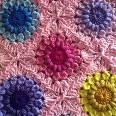 I love the join on this granny square