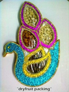 Dry Fruit Packing with Peacock design Thali Decoration Ideas, Diwali Decorations, Basket Decoration, Diy Wedding Decorations, Flower Decorations, Engagement Decorations, Wedding Gift Wrapping, Creative Gift Wrapping, Creative Gifts