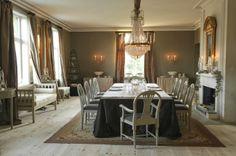 Norwegian interior designers -- from Belgian Pearls Flur Design, Hall Design, Dining Area, Dining Room, Belgian Pearls, Norwegian Style, Interior Styling, Interior Design, Kitchen Styling
