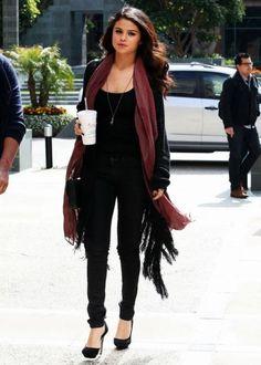 style Selena Gomez street - Selena Gomez Winter Street Style: Loads of Outfit Ideas Selena Gomez Outfits Casual, Style Selena Gomez, Casual Outfits, Casual Street Style, Street Style Looks, Fall Fashion Trends, Autumn Fashion, Fashion 2014, Street Fashion
