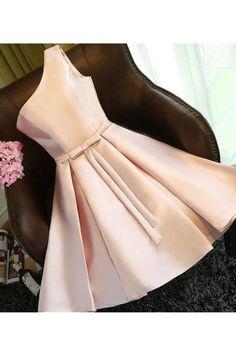 2019 New Arrival One Shoulder A Line Robes de cocktail avec satin de ceinture Cute Prom Dresses, Junior Bridesmaid Dresses, Mermaid Dresses, Homecoming Dresses, Short Dresses, Girls Dresses, Bow Dresses, Chiffon Dresses, Fall Dresses
