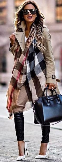 #winter #outfits brown trench coat. Pic by @vogue__cafe.