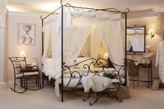 Hemelbed In Slaapkamer : Set slaapkamer imperatrice metaal twee nachtkastjes