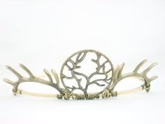 Baratheon Tiara http://www.etsy.com/listing/108600210/house-baratheon-antique-golden-antler