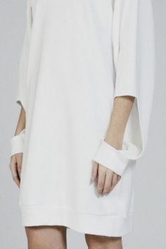 White dress with cut out sleeve detail; minimal fashion // Michael Metric by aimee Minimal Fashion, White Fashion, Look Fashion, Fashion Details, Womens Fashion, Runway Fashion, Casual Styles, Style Outfits, Pattern Cutting