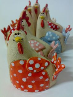 Minislepičky Slepička 7 x 9 cm Cena za kus Paper Clay, Clay Art, Enchanted Forest Theme, Concrete Crafts, Chickens And Roosters, Biscuit, Salt Dough, Clay Creations, Projects For Kids