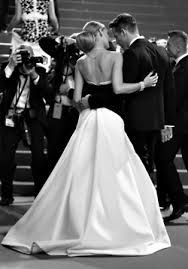 Timeless elegance :: Blake Lively and Ryan Reynolds at Cannes Film Festival 2014 I would have this for my wedding dress. Blake Lively Ryan Reynolds, Cannes Film Festival, Gossip Girl, White Photography, Wedding Photography, Cute Couples, Strapless Dress Formal, Marie, Beautiful People