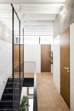 apartment in Barcelona by RÄS Studio