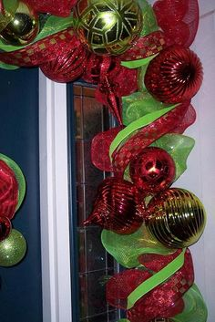 How to make garland from mesh ribbon - complement to mesh wreath tute (unrelated site)