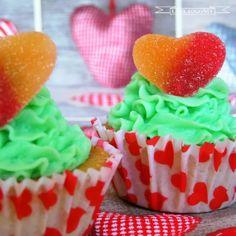 ¿Qué te parecen estos #cupcakes con golosinas @Golosinas Migueláñez  para endulzar el día de #SanValentin?