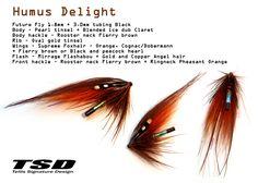 """Nästa fluga ut från bindstädet och som presenteras här är nu """"Humus Delight""""! En riktigt läcker fluga för mer eller mindre alla vatten i Sverige. För mig är denna en favorit på tafsen i Mörrum, framförallt på hösten!… Fishing Lures, Fly Fishing, Steelhead Flies, Atlantic Salmon, Front Hair Styles, Salmon Flies, Fly Tying Patterns, Salmon Fishing, Trout"""