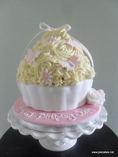 Pretty Cupcake Cake