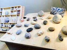 Exploring stones in transient art #earlyyears #earlyyearsideas