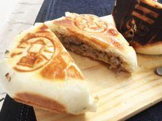butaman-kiru Tonkatsu, Pork Cutlets, Food And Drink, Dairy, Bread, Cheese, Junk Food, Japanese Food, Desserts