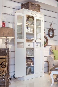Lohmeier Home Interiors Shop Shop Interiors, Cabinet Furniture, Coastal Style, My Dream Home, The Hamptons, Bungalow, Home Accessories, New Homes, Sweet Home