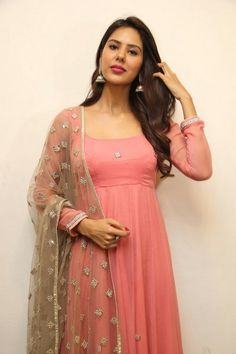 Actress Sonam Bajwa New Pics - FromTamil Gallery