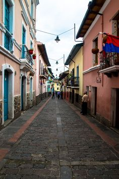 The picturesque La Ronda Neighborhood- One of the Reasons Why Quito Left me Breathless www.casualtravelist.com