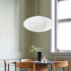 Papiret spreder lyset i alle retninger og er derfor oplagt som primær lyskilde i hjemmet. Lampeskærmen afblænder lyset på en fin og ensartet måde, så man ikke bliver blændet af skarpt lys. Mirror, Furniture, Home Decor, Lily, Homemade Home Decor, Mirrors, Home Furnishings, Interior Design, Home Interiors