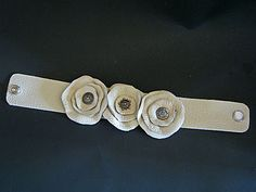 How to make flowers with leather scraps over a flame - very original -