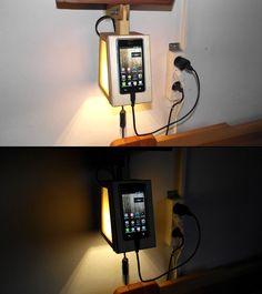 Éjjeli lámpába épített fa mobiltartó - Smart Phone Wooden Holder Stand