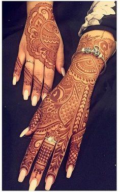 21 Unique Short Tattoo Quotes for Women - Henné / Tatouages Wedding Mehndi Designs, Mehndi Art Designs, Latest Mehndi Designs, Henna Tattoo Designs, Heena Design, Henna Tattoos, Mehndi Design Pictures, Mehndi Images, Mehendi