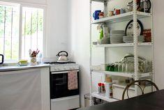 el color de la casa son las cosas que tienen los estantes, eso me gusta... me permite cambiarlos cada vez que quiero!